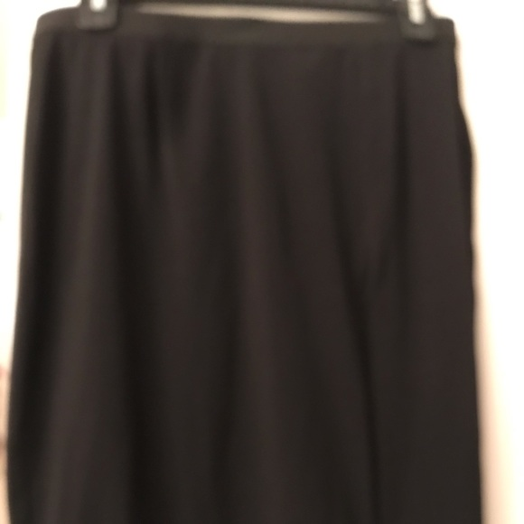 Rafaella Dresses & Skirts - Skirt with zipper side slit
